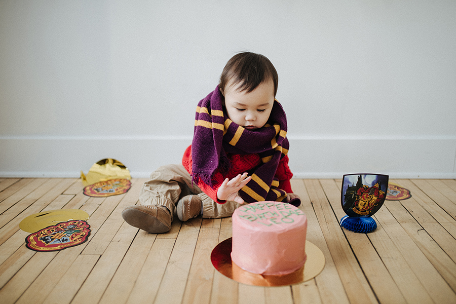 How to prepare for a smash cake photo session for your little one!