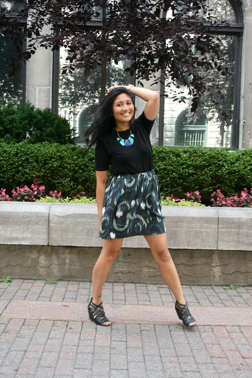 Showing some leg with this green skirt from the GAP!
