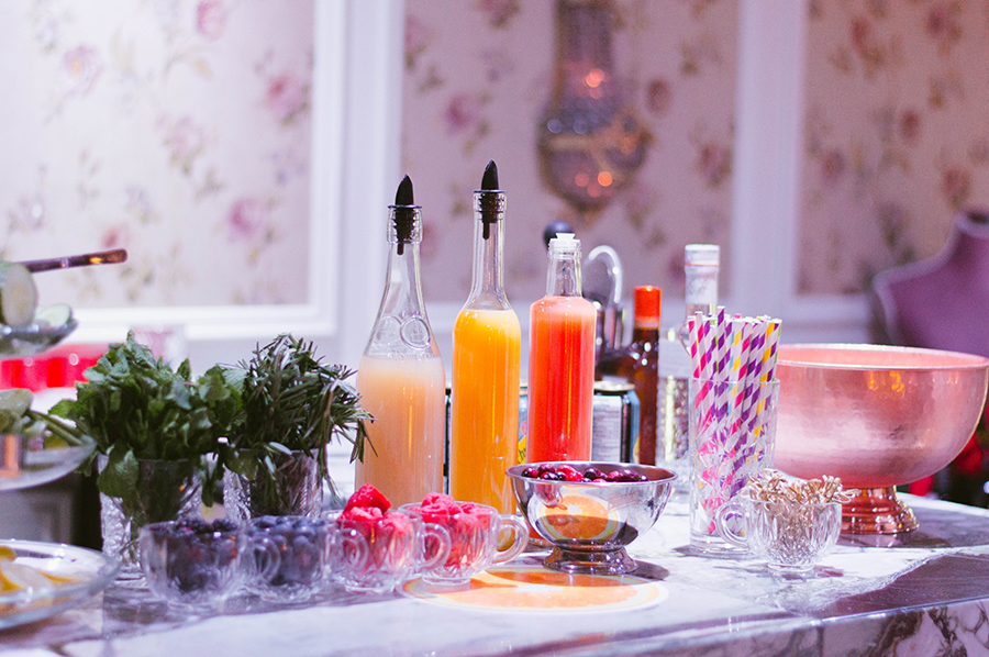 How to host a fabulous holiday cocktail party with rita for Hosting a christmas cocktail party