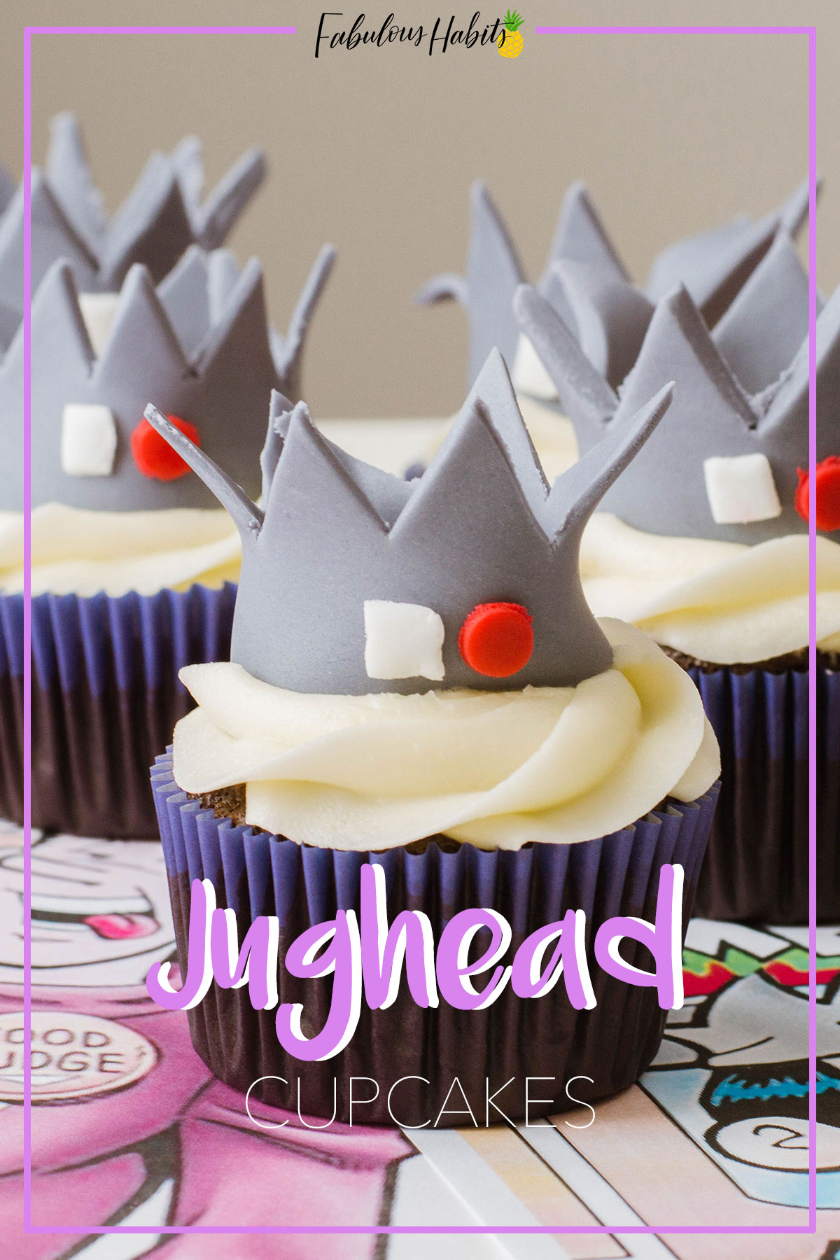 Easy step by step instructions on creating a Jughead crown fondant topper for the cutest Riverdale-Inspired Cupcakes! #JugheadCupcakes
