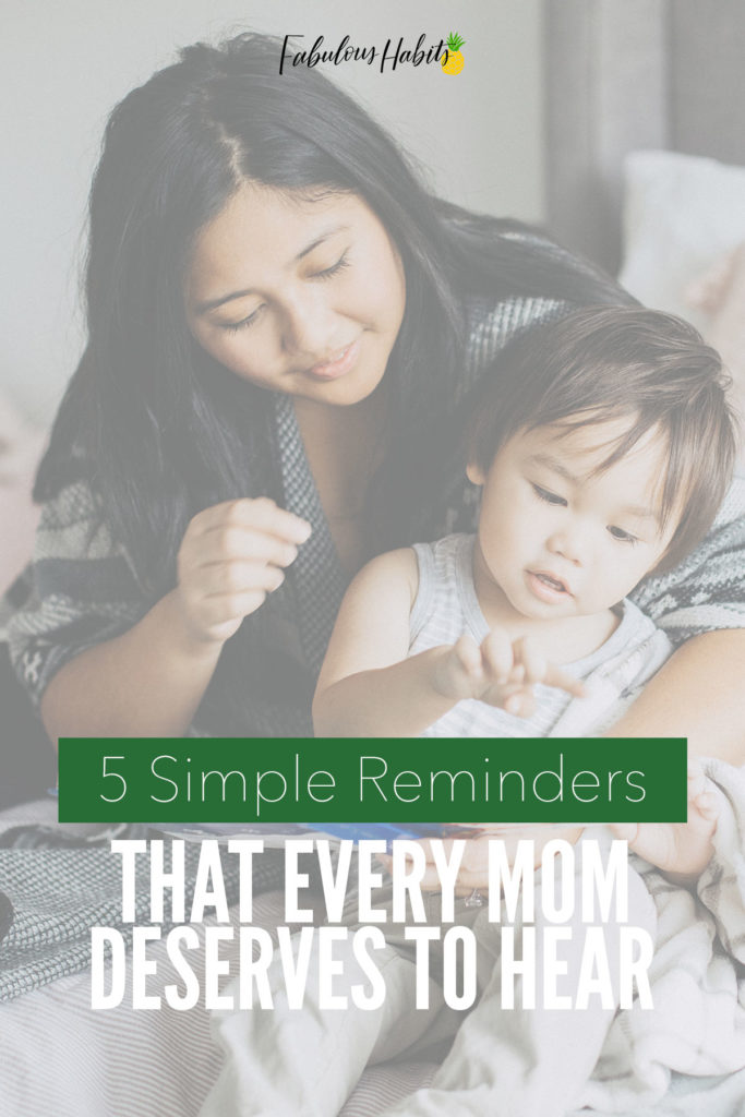 These are the 5 things that every mom should tell herself - escape mom guilt and feel better with these beautiful quotes! #escapemomguilt