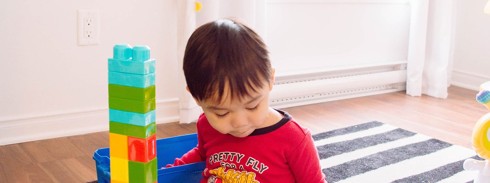 Life as a WAHM: Encouraging Independent Play in Toddlers