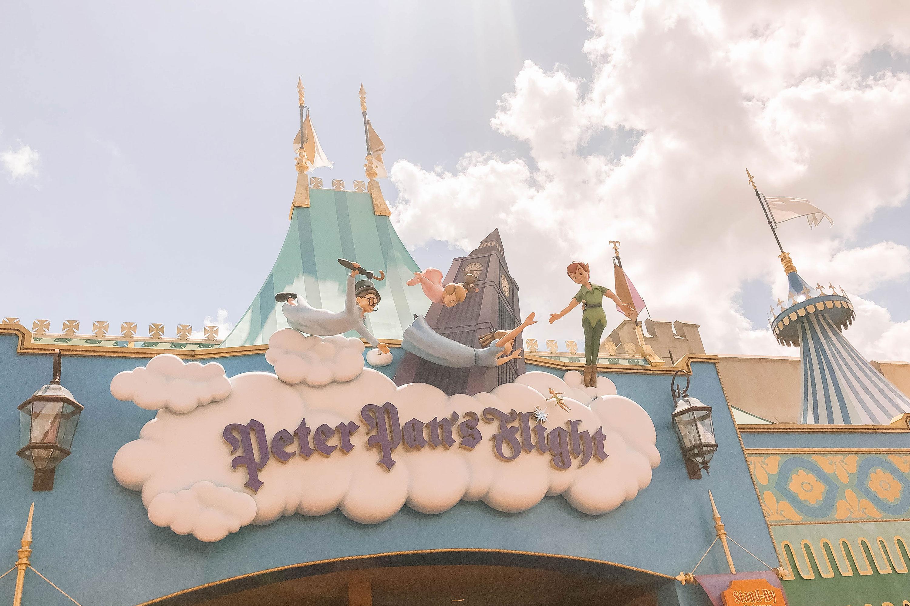Planning a trip to Disney with young kids? Check out our ultimate guide to the best Magic Kingdom toddler rides - because having fun at WDW is possible for all ages! #disneytips
