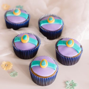 Magical How-To: Aladdin-Inspired Cupcakes with Princess Jasmine Cupcake Toppers