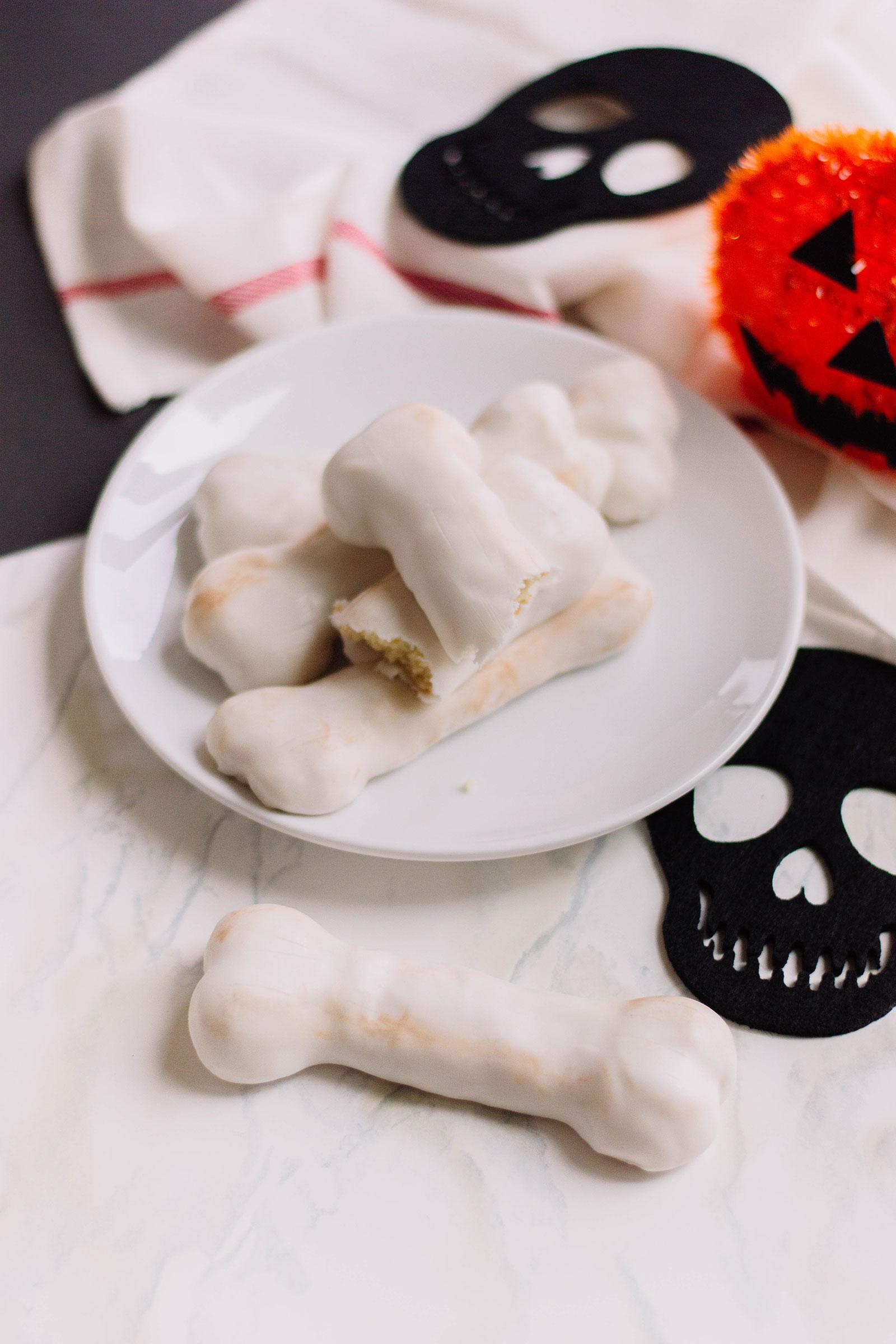 Halloween Treat: Bones Cookies