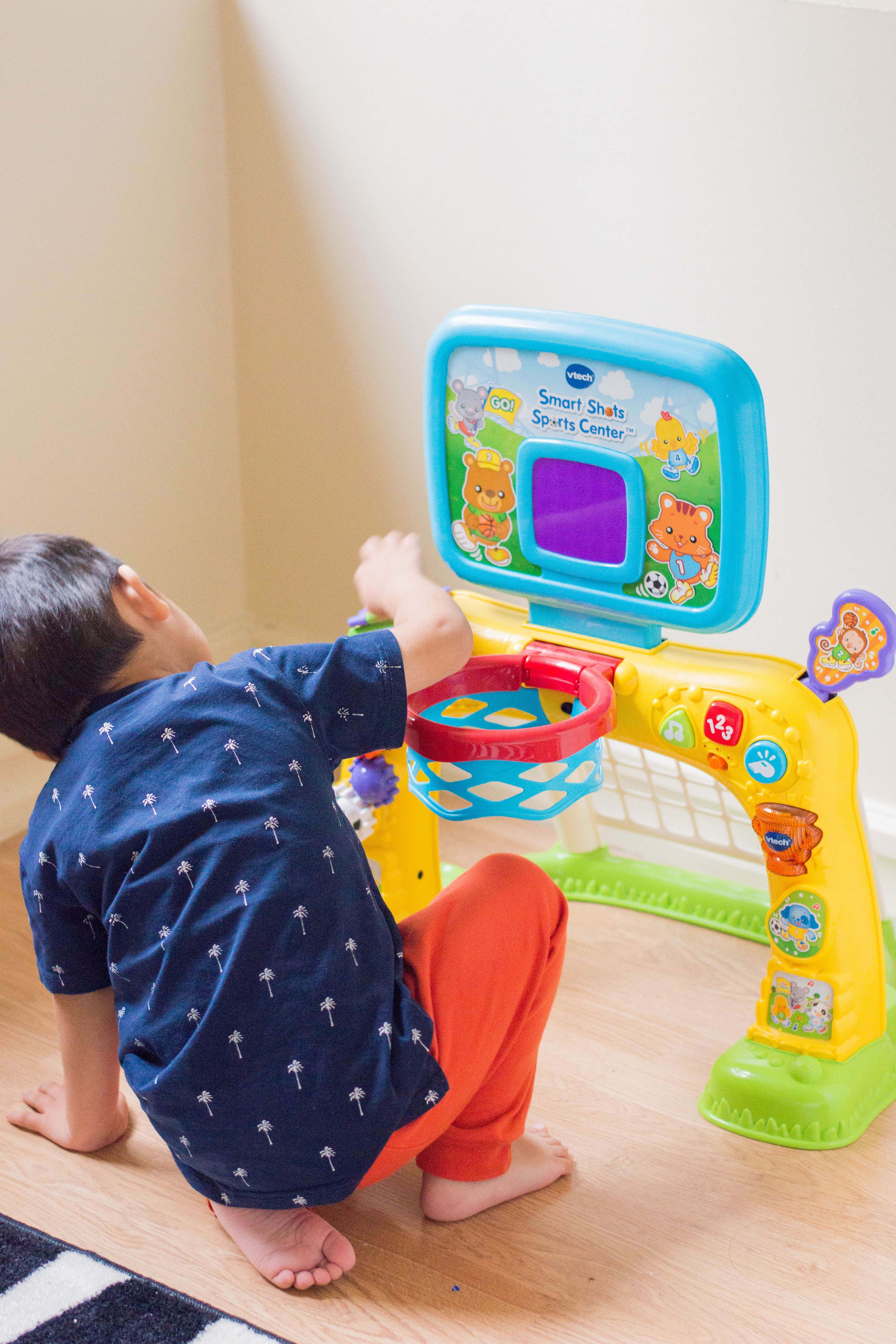 Here are (in our toy-loving opinion) some of the best toddler toys out there. Check out our list and get inspired for your little one - it's play time! #besttoddlertoys #toddlergiftideas